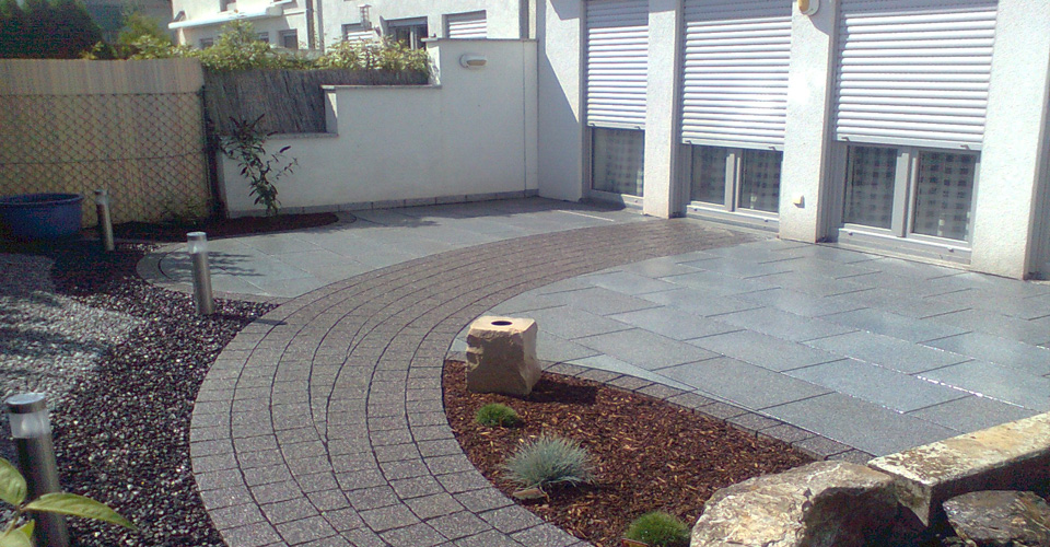 Terrasse-Vorgarten02.jpg
